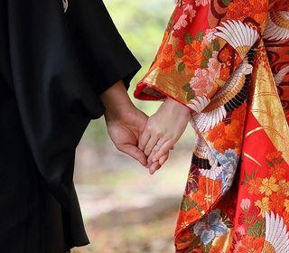 鎌倉時代に創建された由緒ある神社。伝統と格式の神前式会場です。