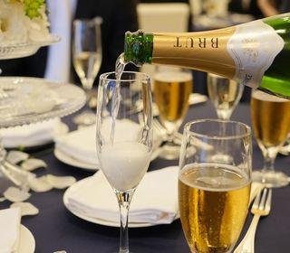 広さや目的に合わせていろいろな会場をご用意しております。スタイルを自由に選べるオリジナルなご宴会を楽しめる会場です。