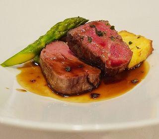 山梨の地の素材を活かしたフランス料理の マリアージュをお楽しみください。
