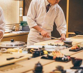 地元の素材と季節のテーマに合わせた和定食などの調理のお仕事です。